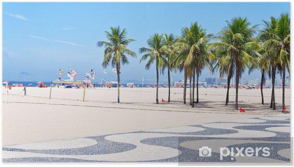 Poster Vue sur la plage de Copacabana avec des palmiers et des mosaïques de trottoir - Villes américaines