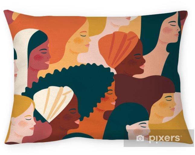 Poszewka na poduszkę Międzynarodowy Dzień Kobiet. wektor wzór z kobietami różnych narodowości i kultur. - Ludzie