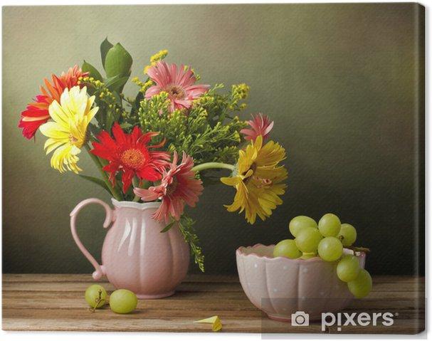 Quadro su Tela Natura morta con bel mazzo di fiori e uva verde ...