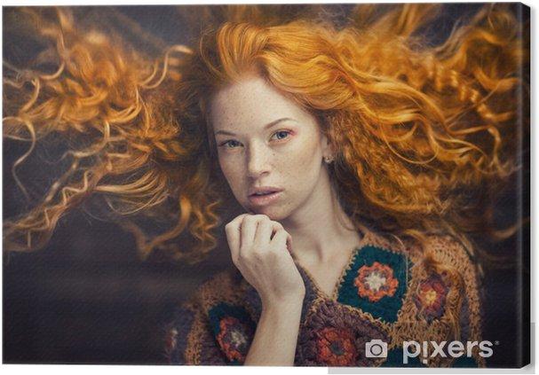Ragazza dai capelli rossi