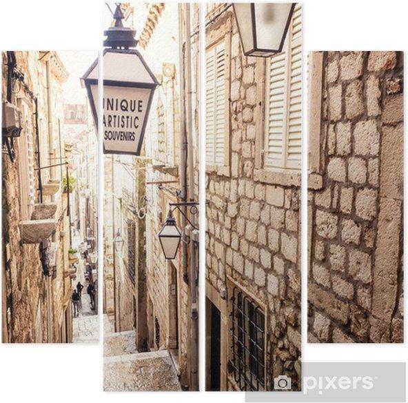 Quadriptyque Escaliers raides et rue étroite de la vieille ville de Dubrovnik - iStaging