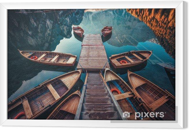 Quadro com Moldura Barcos no lago dos braies (pragser wildsee) nas montanhas dolomitas, Sudtirol, Itália - Paisagens