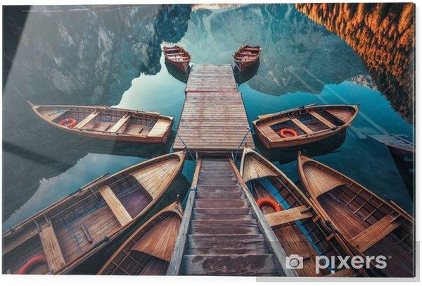 Skleněný obraz Lodě na jezerním jezeře (pragser wildsee) v dolomitských horách, sudtirol, itálie - Krajiny