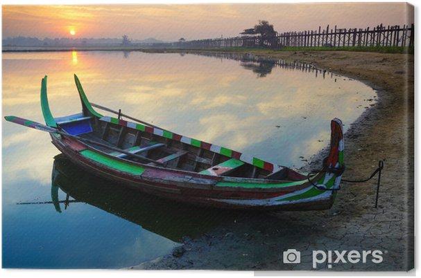 Tableau sur toile Bateau en bois en pont de Ubein au lever du soleil, Mandalay, Myanmar - Asie