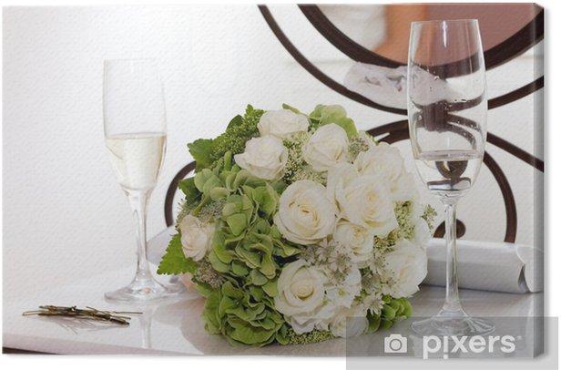 Tableau sur toile Bouquet de mariée avec des verres de champagne - Célébrations