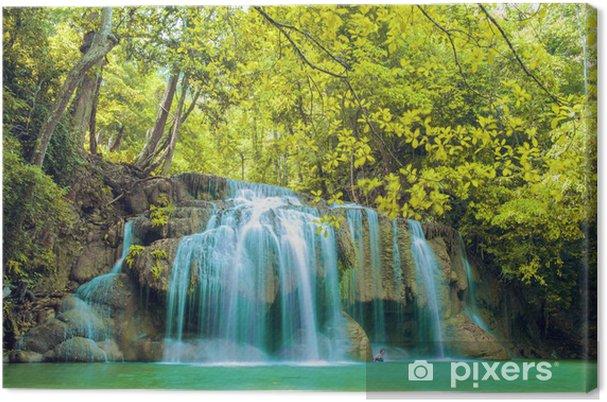 Tableau sur toile Cascade dans la forêt profonde au parc national d'Erawan cascade - Asie