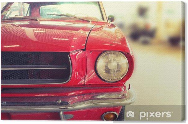 Tableau sur toile Close Up of Front of a Red Vintage Car - Sur la route
