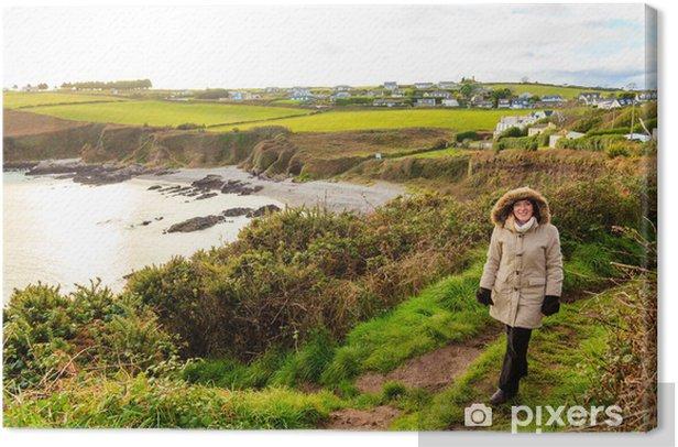 Tableau sur toile Côte atlantique de Cork Comté de côte, Irlande. Femme marchant - Agriculture