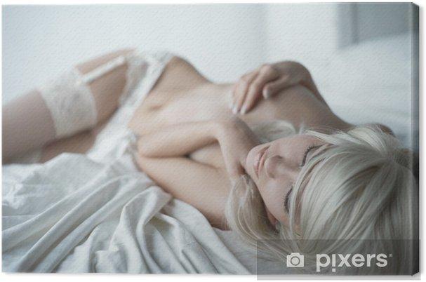Tableau sur toile Femme sensuelle dans son lit - Sous-vêtements