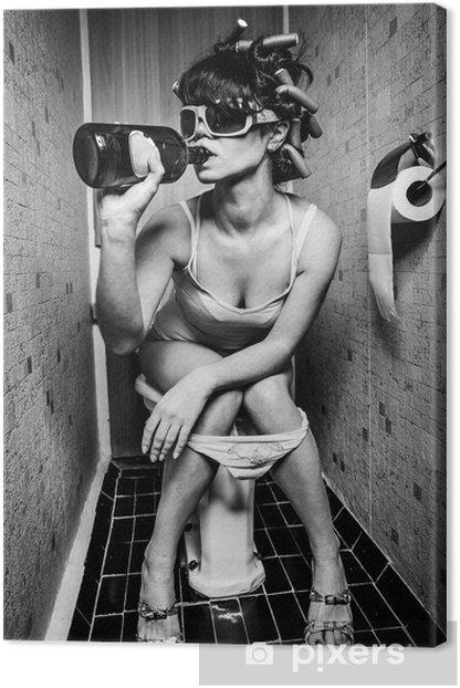 Tableau sur toile Fille s'assied dans une toilette -