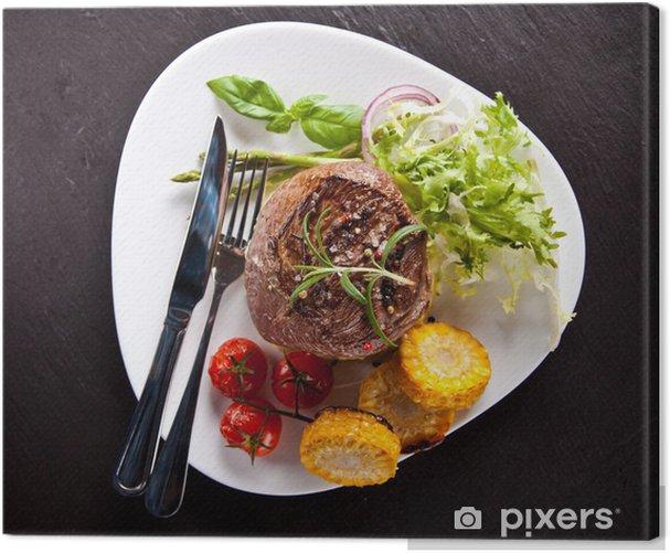 Tableau sur toile Fresh beef steak sur pierre noire - Epices, herbes et condiments