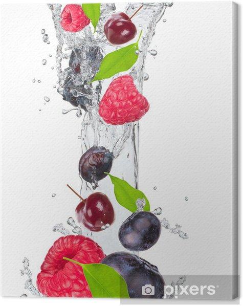 Tableau sur toile Fruits frais dans les projections d'eau - Sticker mural