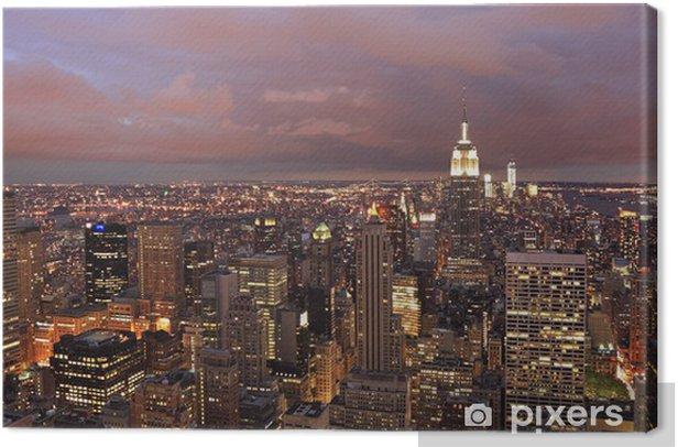 Tableau sur toile Horizon de New York à un crépuscule violet, vue panoramique - Amérique