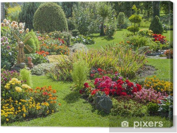 Tableau sur toile Jardin fleuri et paysagé - iStaging