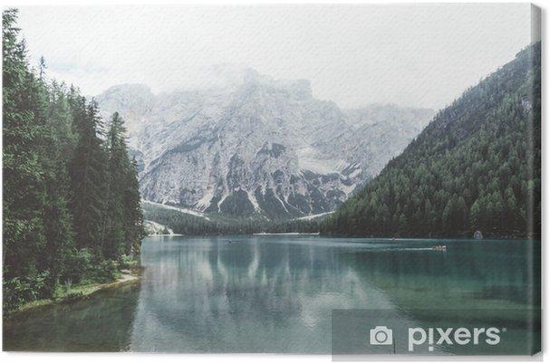 Tableau sur toile Lac Braies avec de l'eau verte et les montagnes avec trees__ - Détente