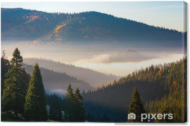 Tableau sur toile Magnifique lever de soleil brumeux dans les montagnes. beau paysage d'automne du parc naturel d'apuseni en roumanie - Paysages