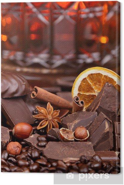 Tableau sur toile Mélange de morceaux d'épices au chocolat et noix, mise au point sélective - Thèmes