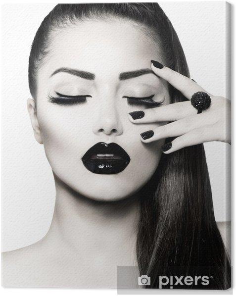 Tableau sur toile Noir et blanc Brunette Girl Portrait. Trendy Caviar Manucure - Mode