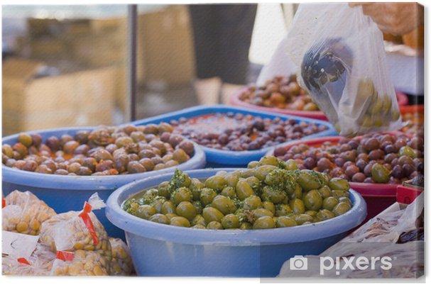 Tableau sur toile Olives espagnoles sur le rouge sauce hot chili pepper et vert mojo - Epices, herbes et condiments