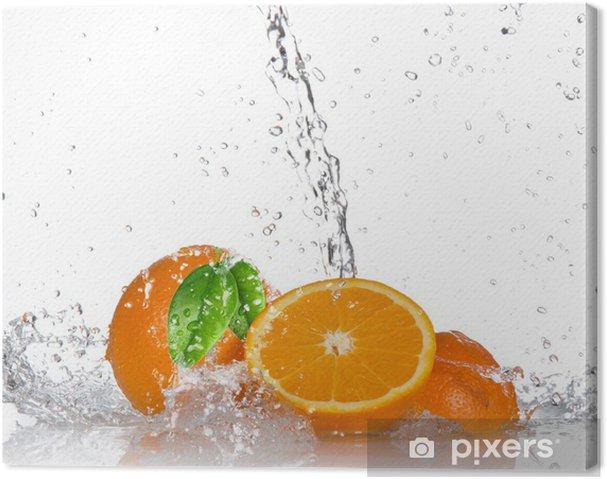 Tableau sur toile Oranges avec les projections d'eau - Destin