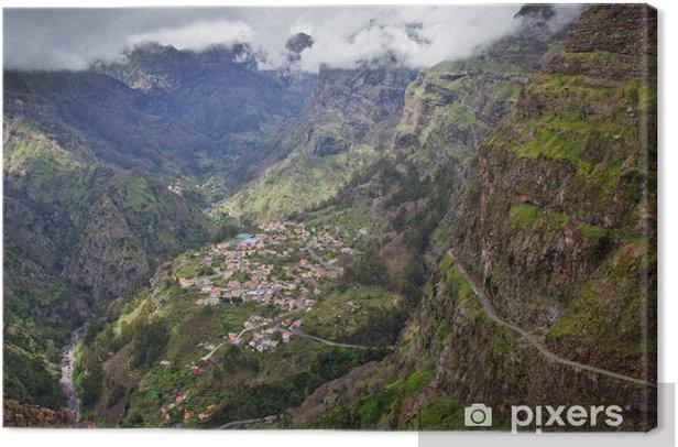 Tableau sur toile Petit village en haute montagne sur l'île de Madère, Portugal - Europe