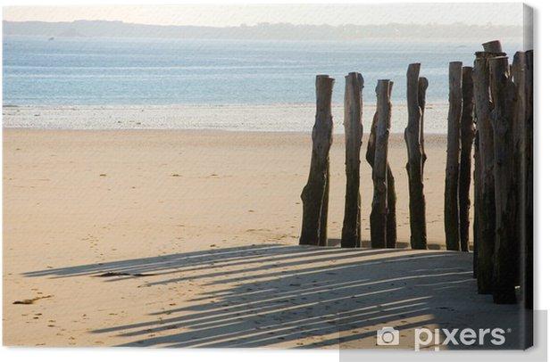 Tableau sur toile Piquets en bois traditionnelles à Saint-Malo (Bretagne, France) - Eau