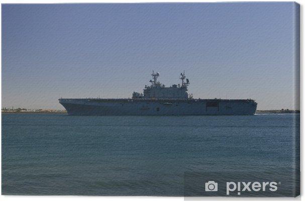 Tableau sur toile Porte-avions revenant de la mer - Bateaux