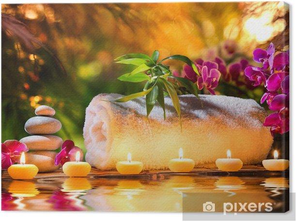 Tableau sur toile Spa massage dans le jardin - des bougies et de l'eau - Styles