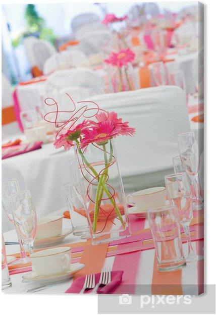Tableau sur toile Tables de mariage en rose et orange - Célébrations
