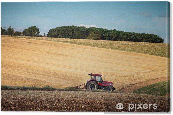 Tableau sur toile Tracteur hersage un champ à l'ouest de Poitiers, dans le sud ouest de Fran - Europe