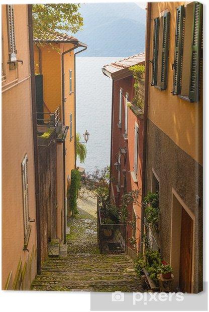 Tableau sur toile Vue sur le lac de Côme italienne de l'une des rues étroites de - Thèmes