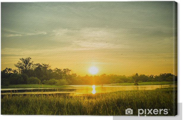 Tableau sur toile Vue sur le lac Petit avec coucher de soleil. - Nature et régions sauvages