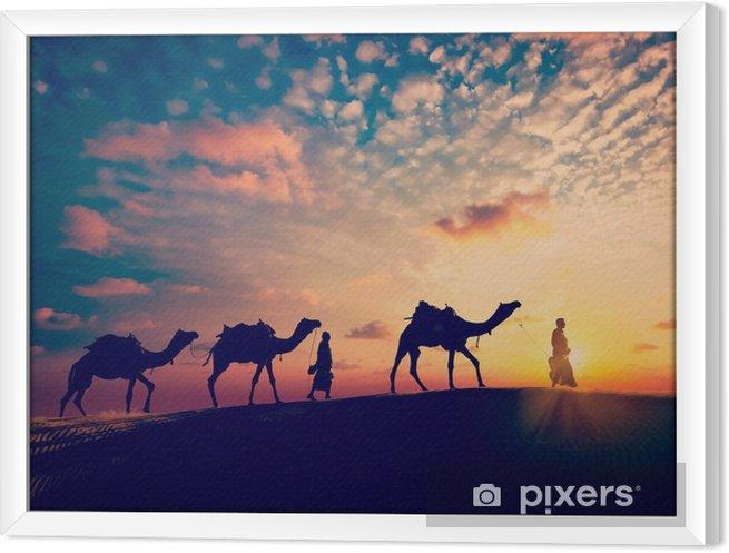 Tavla i Ram Två cameleers (kamelförare) med kameler i sanddyner öken - Idrott