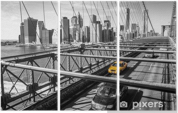 Triptyque Taxi traversant le pont de Brooklyn à New York -