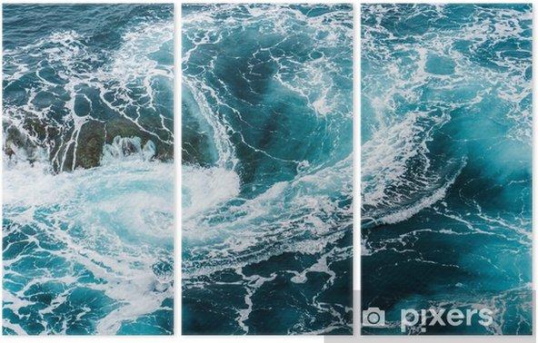 Triptyque Vagues d'eau mousseuses vertigineuses, tourbillonnantes à l'océan, photographiées d'en haut - Paysages