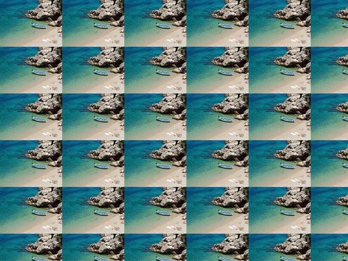 Vinylová Tapeta Malá rybářská loď v blízkosti pláže - Evropa