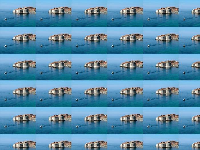 Vinylová Tapeta Dubrovník mořských hrází a loď vidět z hotelu - Prázdniny