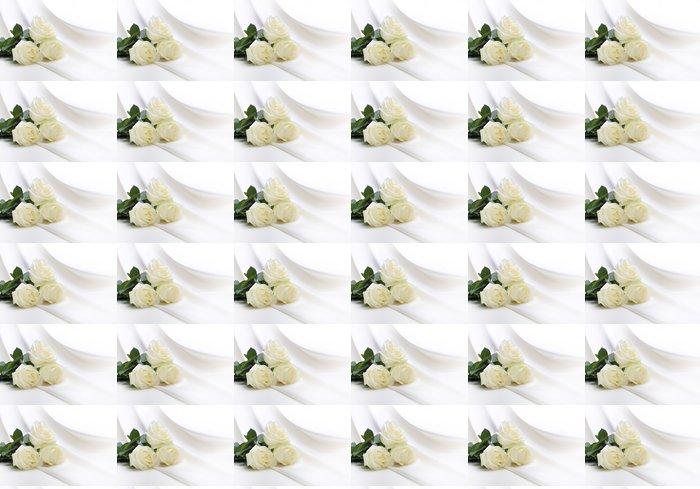 Vinylová Tapeta Kytice růží na hedvábí - Květiny