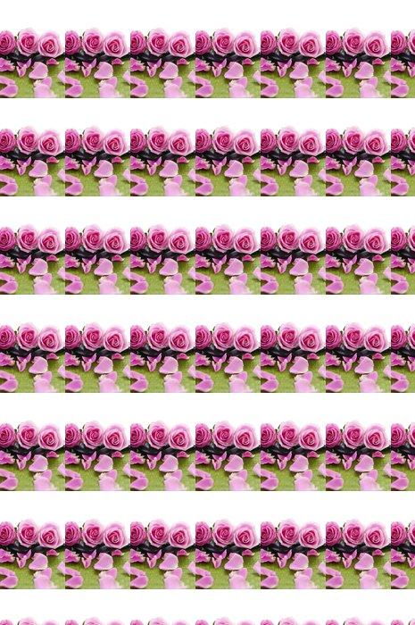 Vinylová Tapeta Vleže růže s kameny na zelené podložce - Životní styl, péče o tělo a krása