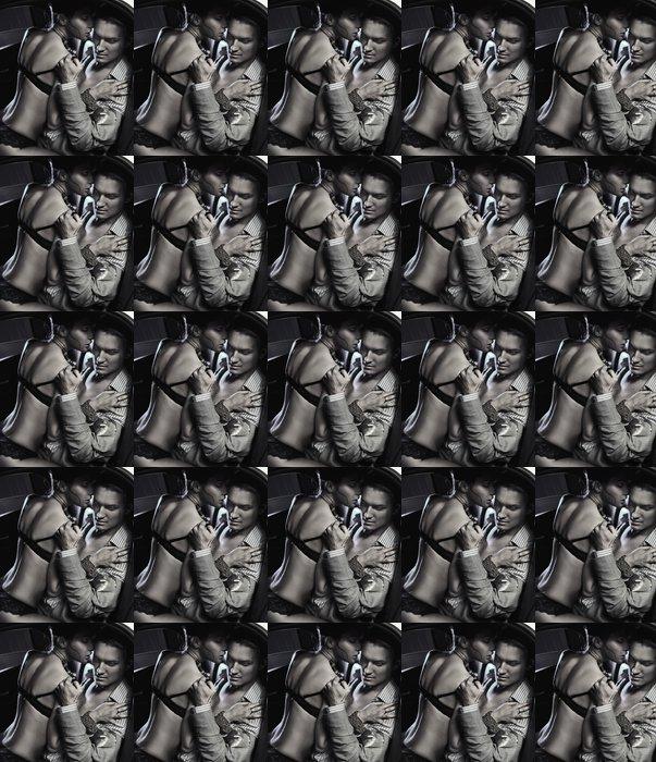 Vinylová Tapeta Milující pár v autě obejme v černé a bílé - Spodní prádlo