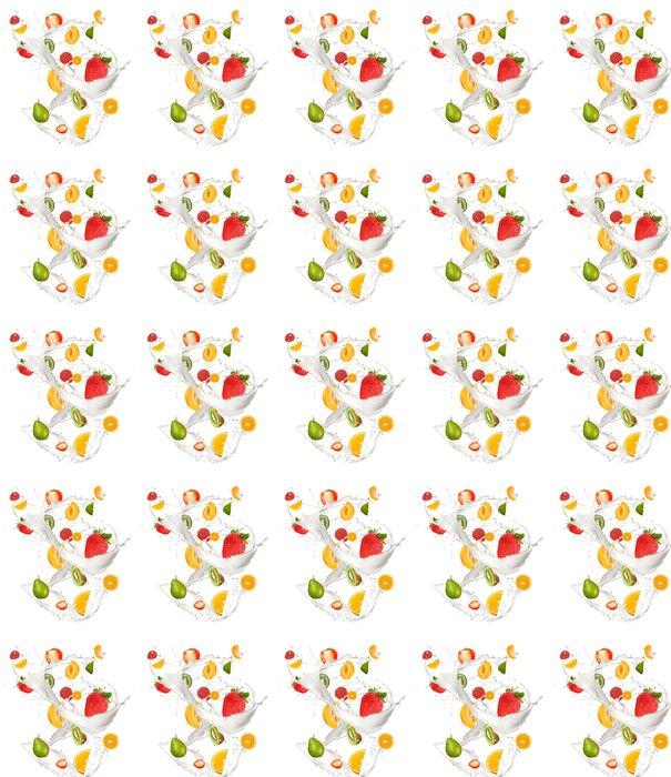 Vinyltapete Früchte in der Milch-Splash, isoliert auf weißem Hintergrund - Wandtattoo