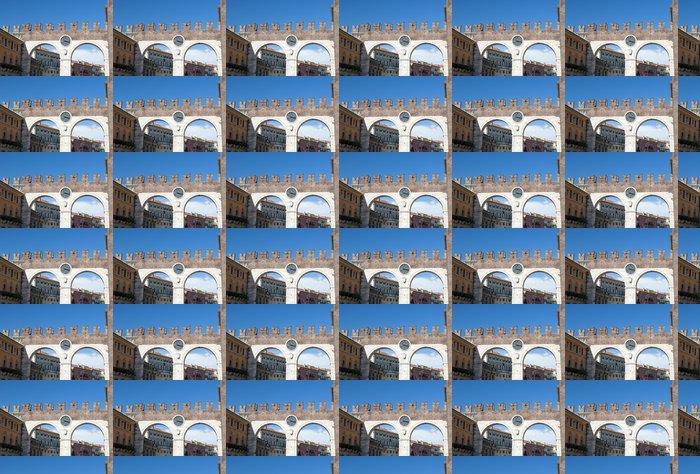 Vinylová Tapeta Portoni della Bra, středověké brány vedoucí k náměstí Piazza Bra - Prázdniny