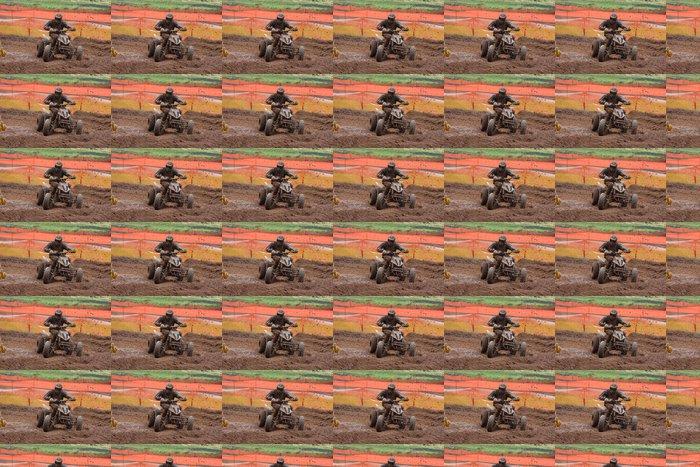 Papel de Parede em Vinil Quad bike racing in dirt and mud - Desportos Individuais