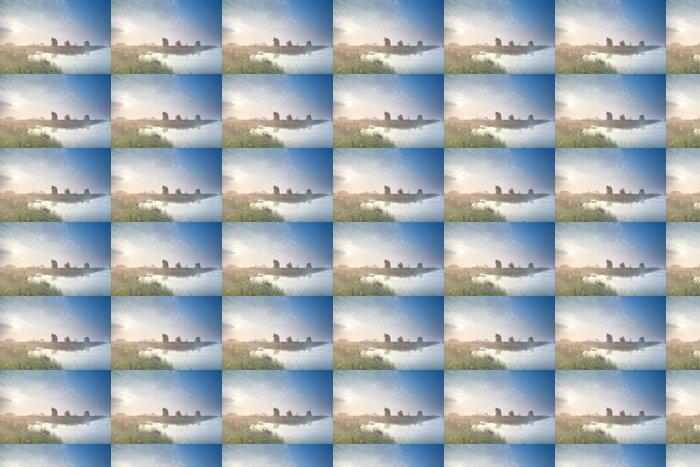 Vinylová Tapeta Misty sunrise přes bažiny v létě - Voda