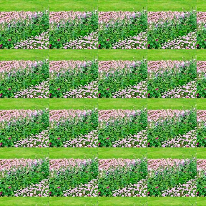 Vinylová Tapeta Krásný květinový záhon v létě parku - Roční období