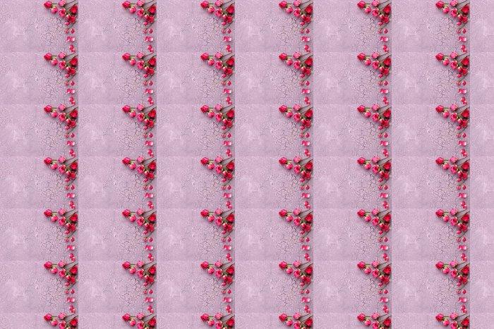 Vinylová Tapeta Krásné růžové sušené růže na staré dřevěné pozadí - Květiny