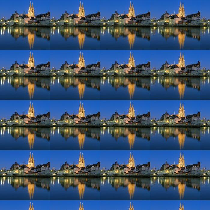 Vinylová Tapeta Katedrála a Kamenný most v Řezně u večer, Německo - Evropa