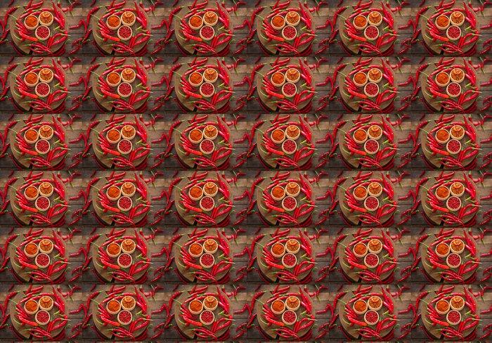 Vinylová Tapeta Červené chilli papričky a koření na stole - Jídla