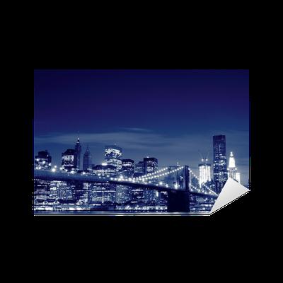 aufkleber brooklyn bridge bei nacht new york city pixers wir leben um zu ver ndern. Black Bedroom Furniture Sets. Home Design Ideas
