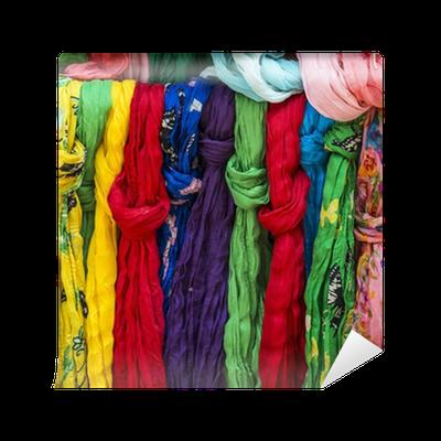 selezione migliore b19b0 57984 Carta da Parati Pezenas (Francia): foulard colorati • Pixers® - Viviamo per  il cambiamento
